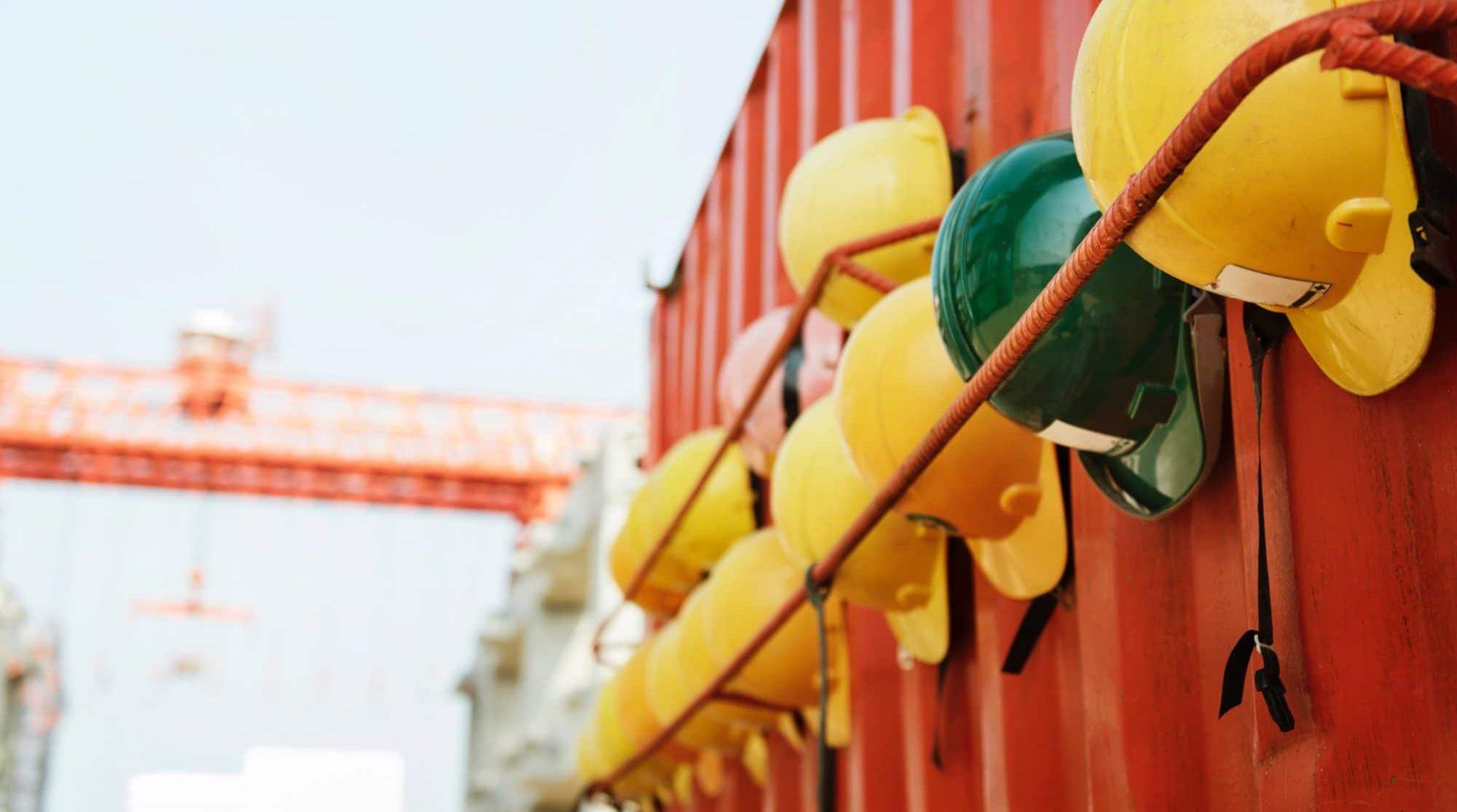 Inspectie SZW: Meer inzetten op bewustwording voor veiligheid in bedrijven